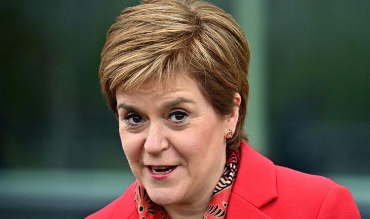 Nicola Sturgeon a averti qu'IndyRef2 pourrait être une `` cible légitime '' pour le GCHQ
