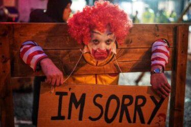 Blocus de McDonald's: les manifestants pour les droits des animaux arrêtent les livraisons d'approvisionnement pour 1300 restaurants