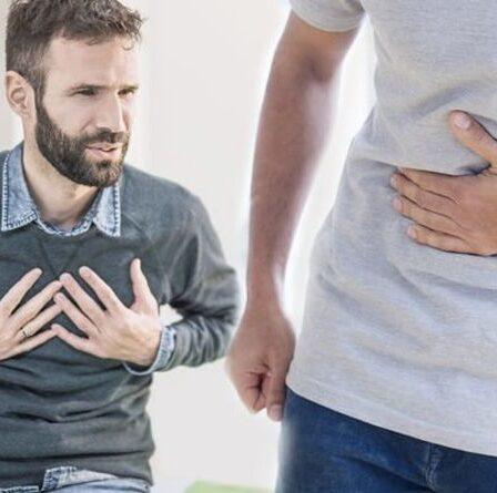 Effets secondaires du vaccin AstraZeneca: six signes vous avertissant que vous pourriez présenter un risque de caillot sanguin