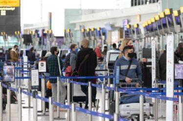 Plus de 100 vols sont entrés au Royaume-Uni depuis l'Inde depuis l'ajout de la liste rouge en ce qui concerne les surtensions