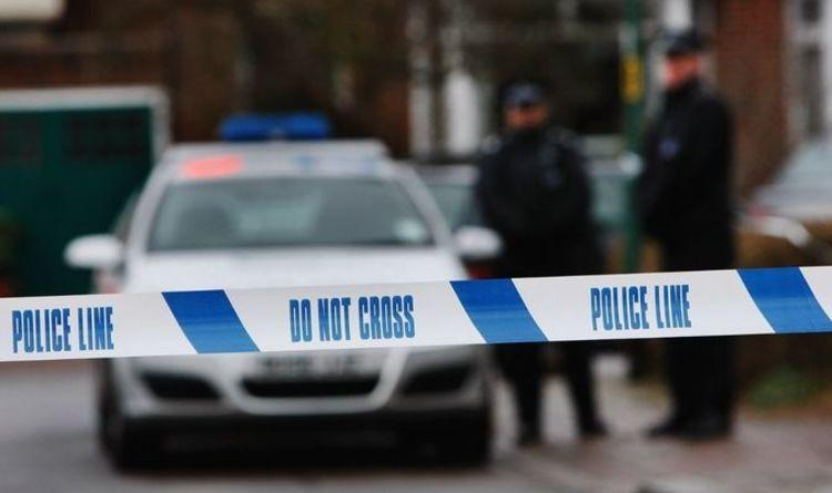 Coup de couteau à Luton: deux adolescents arrêtés après la mort d'un garçon de 16 ans à l'hôpital