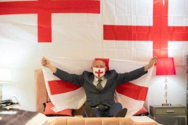 Euro 2020: le propriétaire d'un magasin de lit décore sa boutique avec 400 drapeaux anglais