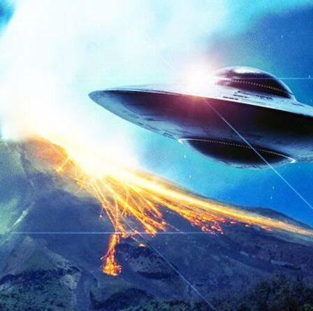 Les experts disent que l'observation d'OVNI au-dessus du volcan indonésien est venue de l'espace - mais était-ce extraterrestre ?