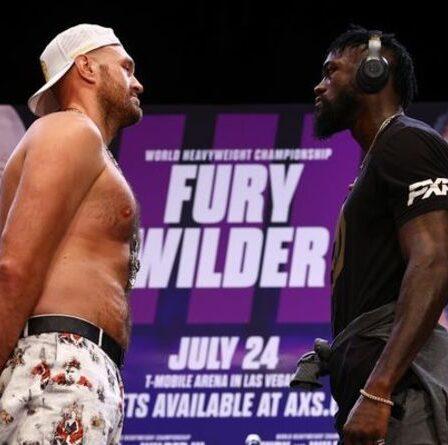 Tyson Fury se moque du « poney à un tour » Deontay Wilder avant un regard tendu de cinq minutes