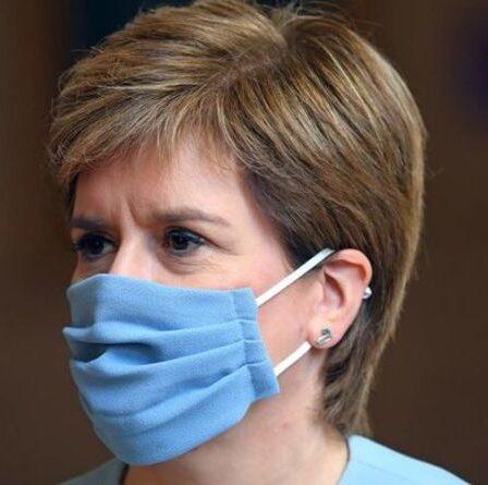 """«Arrêtez de regarder en arrière!»  Un transfuge du SNP met en garde Sturgeon contre le fait qu'il """"supprime son retour dans l'UE"""""""