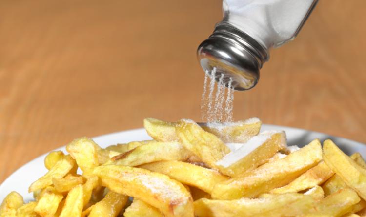 De nouveaux appels à une nouvelle taxe sur le sucre et le sel pour réduire les ceintures anglaises dans la lutte contre l'obésité