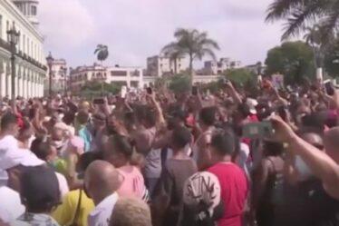 Le chaos éclate à Cuba alors que des manifestations antigouvernementales éclatent contre le régime communiste