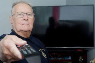 """Un vétéran de la RAF, 89 ans, """"harcelé"""" à tort pour aucune licence de télévision exige des excuses"""