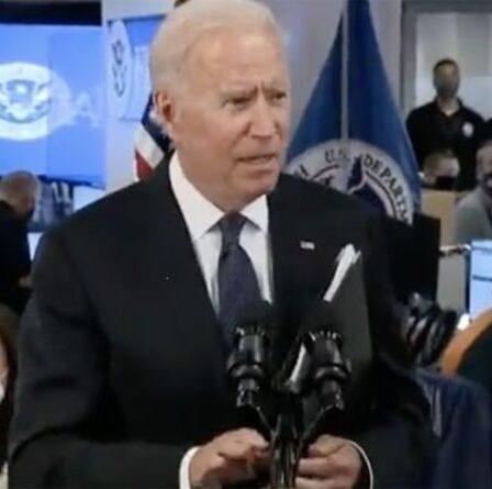 Biden met brusquement fin à la conférence de presse et sort en trombe après qu'un journaliste a posé des questions sur l'Afghanistan