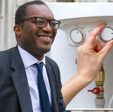 """Boris Johnson a porté un coup alors que Kwasi Kwarteng admet que les pompes à chaleur sont """"pires"""" que les chaudières à gaz"""