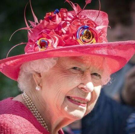 """La reine a remis un """"rameau d'olivier parfait"""" pour enfin mettre fin aux problèmes du Megxit - """"Vous êtes ma famille"""""""