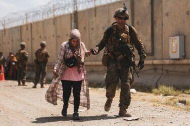 """L'équipe d'élite du SAS reste en Afghanistan pour venger la mort des troupes américaines - """"Un lien fort"""""""