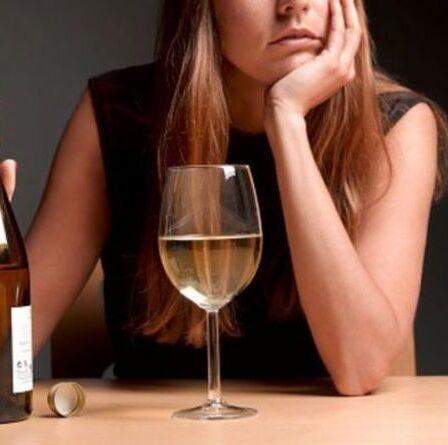 Traits de trouble de la personnalité addictif : cinq signes avant-coureurs de la dépendance