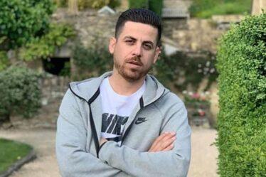 Un homme se plaint que son frère passeur a « perdu quatre pierres » en prison