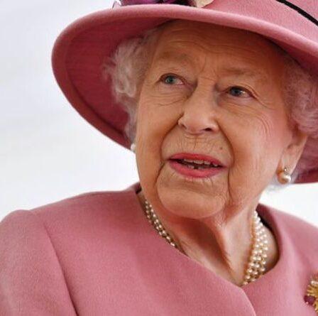 La surprise bouleversante de la reine pour les enfants de Cambridge à Balmoral révélée par un expert royal