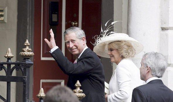 Mariage royal: le couple photographié le jour de leur mariage discret en 2005