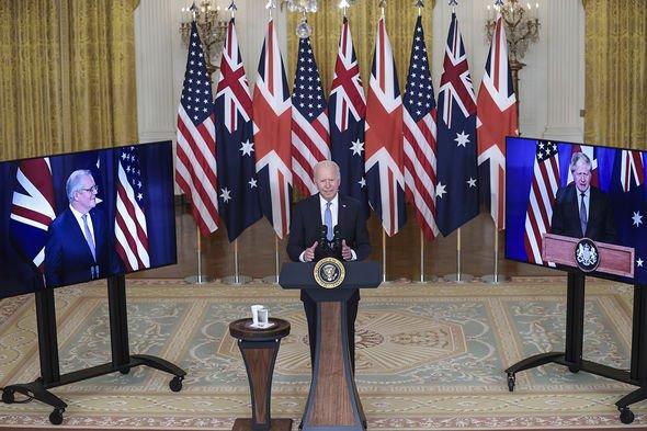 Le président Joe Biden prononce une allocution sur une initiative de sécurité nationale le 15 septembre 2021 dans la salle est de la Maison Blanche à Washington, DC