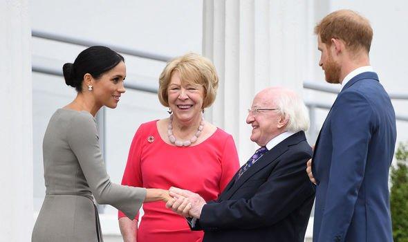 Visites royales: Meghan et Harry ont adopté une approche plus détendue des réunions officielles
