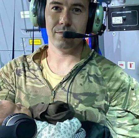 Afghanistan : un sergent de la RAF a bercé le bébé d'une mère afghane épuisée lors d'un vol de sauvetage