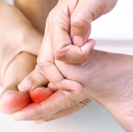 Carence en vitamine B12: deux signes dans vos orteils d'avoir de faibles niveaux pendant «longtemps»
