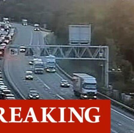 Crash de la M6: de graves retards alors qu'une ambulance aérienne est appelée pour écraser une autoroute à l'heure de pointe