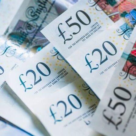 Excellente nouvelle pour les épargnants, car le nouveau compte bancaire offre un taux d'intérêt de cinq pour cent