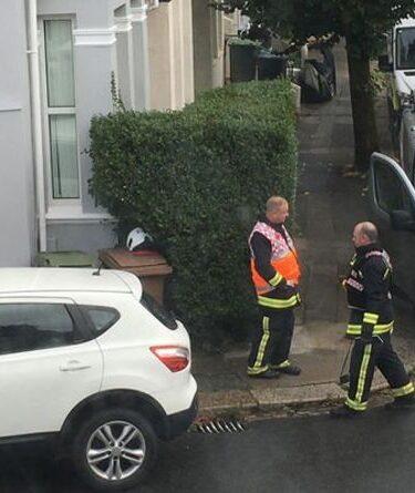 Incident majeur de Plymouth: agents de protection contre les matières dangereuses et neutralisation des bombes dans une rue résidentielle