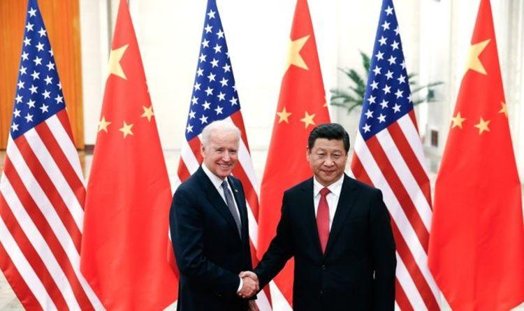 Joe Biden tient un appel tard dans la nuit avec Xi au milieu des craintes que les tensions ne « virent au conflit »