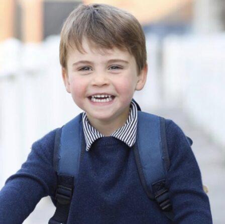 Kate, George et Charlotte quittent le Royaume-Uni avec Louis pour le tout premier voyage du jeune royal à l'étranger