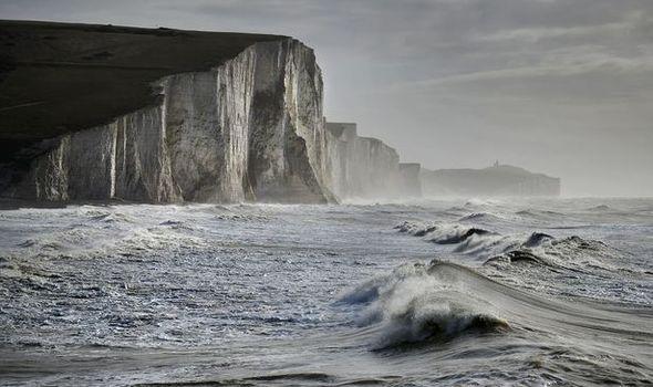 Les falaises blanches des Sept Sœurs à Cuckmere Haven dans l'East Sussex