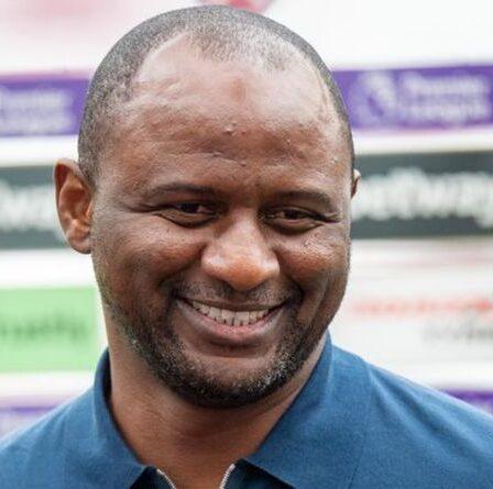 """L'icône d'Arsenal Patrick Vieira admet qu'il a envisagé de déménager à Tottenham - """"Nous avons eu une conversation"""""""