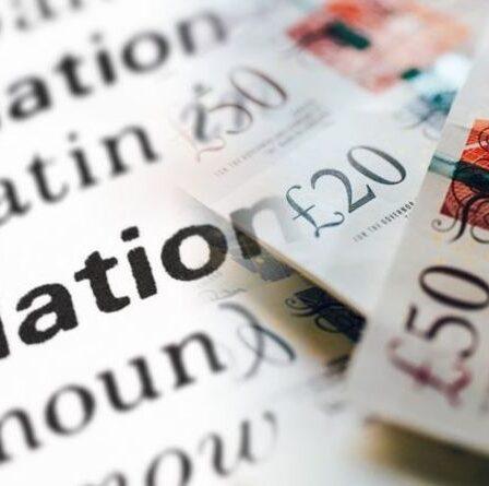 """L'inflation atteint un niveau record alors que l'épargne perd de sa """"valeur en termes réels"""" - les épargnants ont émis une alerte"""