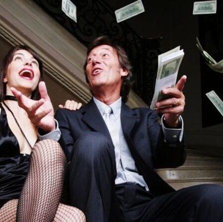 Seriez-vous satisfait de 75000£?  Ce que le salaire du bonheur peut vous acheter en un an