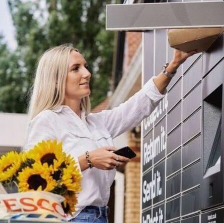 """""""Tellement plus facile"""": Tesco introduit des consignes à colis dans 500 supermarchés - comment ça marche"""