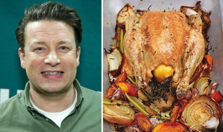 «Viande juteuse et peau croustillante» Jamie Oliver partage une recette de poulet rôti «parfaite» avec des légumes