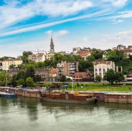 Classement des séjours citadins d'automne les moins chers en Europe - gagnant surprenant avec seulement 5 £ pour un repas