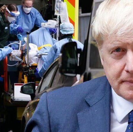 Covid LIVE: un nouvel avertissement de variante alors que les cas écrasent un sommet de 3 mois – craint que le Royaume-Uni ne revienne à la case départ