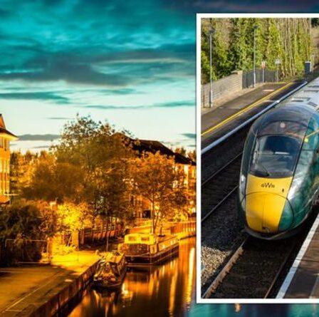Des passagers en colère font rage alors qu'un train « bondé » manque un arrêt clé – « un chaos absolu »