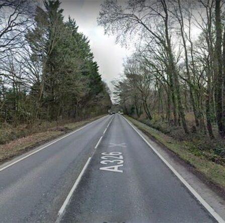 Deux motards tués dans un accident d'horreur sur une route principale très fréquentée près de l'école