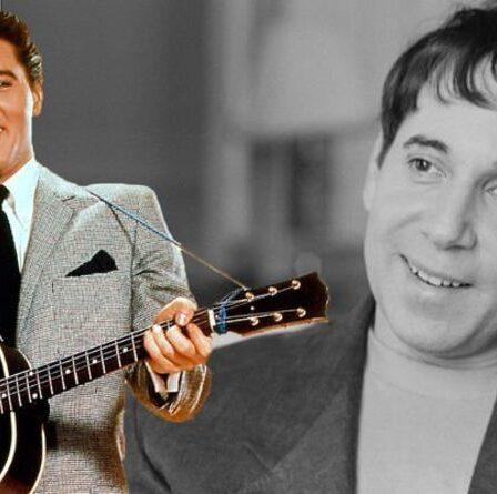 """Elvis Presley : Paul Simon - """"La reprise de ma chanson par le roi était incroyable"""""""