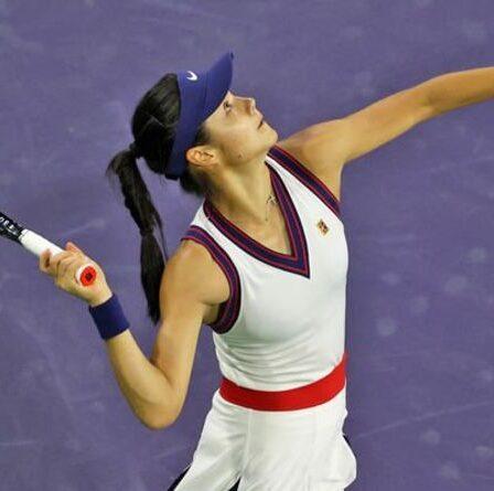 """Emma Raducanu a donné """"une bonne leçon"""" après avoir perdu à Indian Wells"""