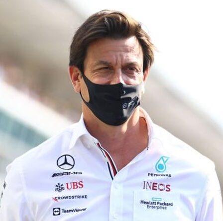 Jenson Button n'est pas d'accord avec le patron de Mercedes, Toto Wolff, à propos de la rangée de pneus Lewis Hamilton