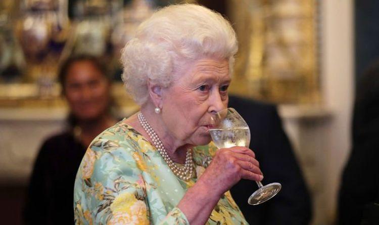 L'astuce ingénieuse de la reine pour éviter d'être empoisonnée « Il faudrait qu'ils empoisonnent tout le monde !