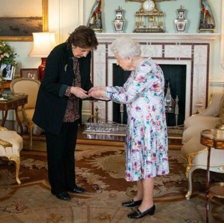Le fils de la princesse Anne Peter et son ex-femme Autumn honorés discrètement par la reine