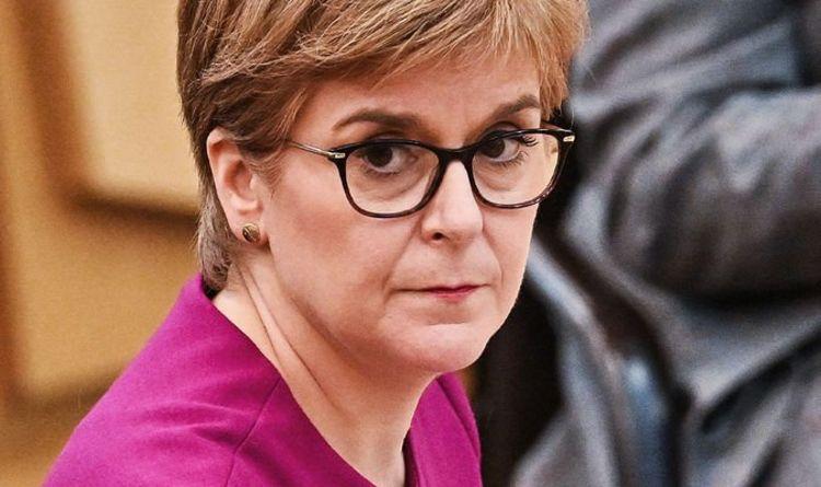 """Nicola Sturgeon critiqué pour avoir tenté de détourner la crise du gaz: """"Un autre désastre en cours"""""""