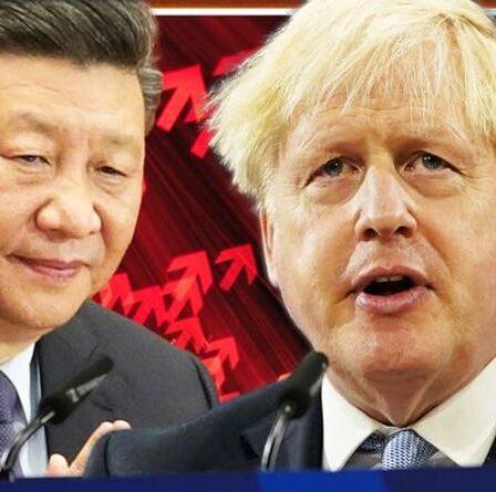 Nous sommes vulnérables !  Boris a averti qu'il somnambule dans le piège de la Chine alors que la rangée d'énergie ravage le Royaume-Uni